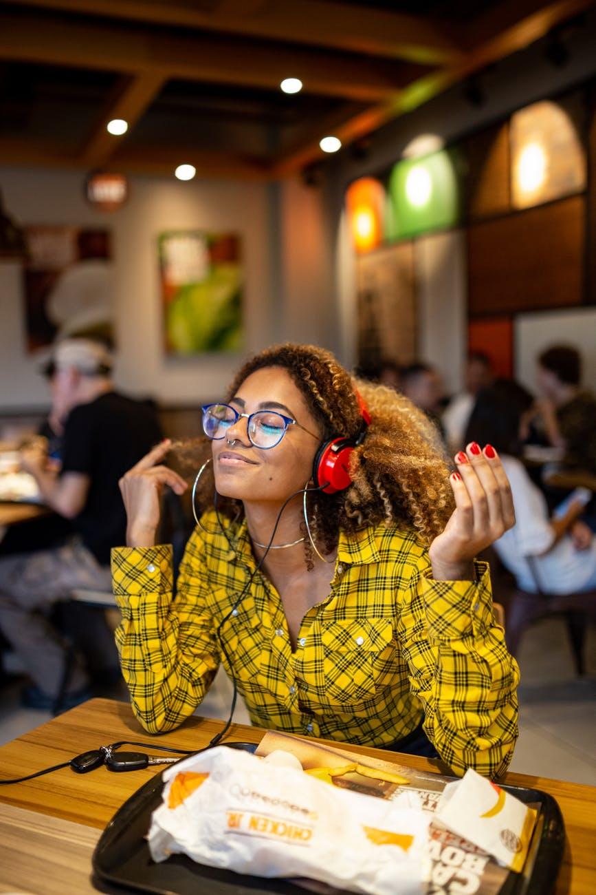 women s black framed eyeglasses
